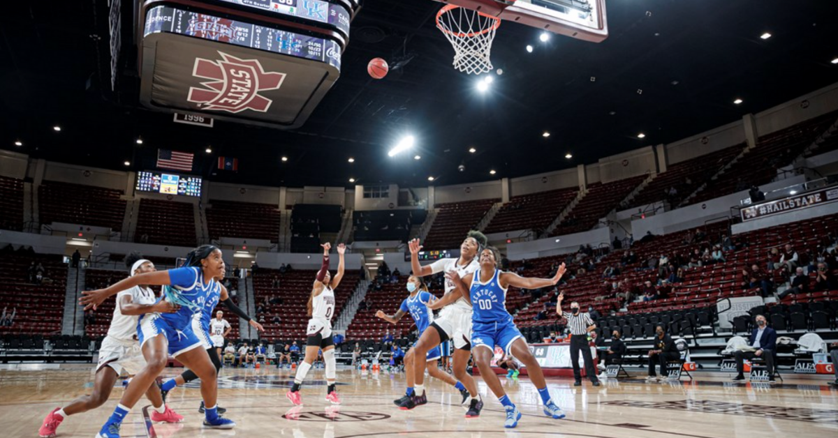 STARKVILLE, MS - January 03, 2021 - Mississippi State Guard JaMya Mingo-Young (#0) during the game between the Kentucky Wildcats and the Mississippi State Bulldogs at Humphrey Coliseum in Starkville, MS. Photo By Austin Perryman/Mississippi State.